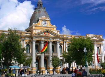 Bolivia_La_Paz_Parliament-350x258